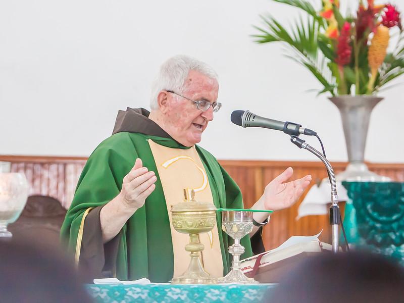 2014.09.07 - Bautizo de María Lourdes (31).jpg