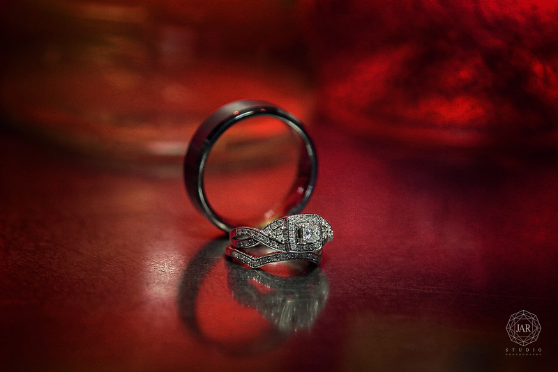 04-stunning-wedding-rings-jarstudio-photography.JPG