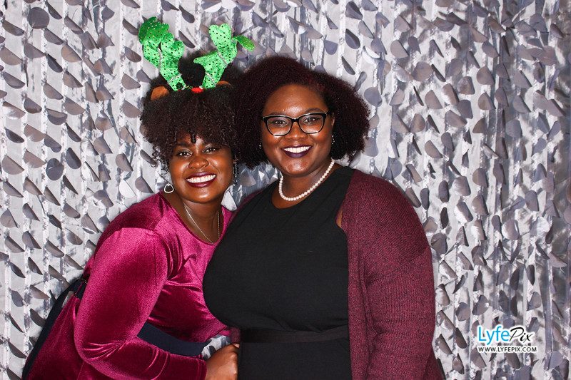 red-hawk-2017-holiday-party-beltsville-maryland-sheraton-photo-booth-0196.jpg