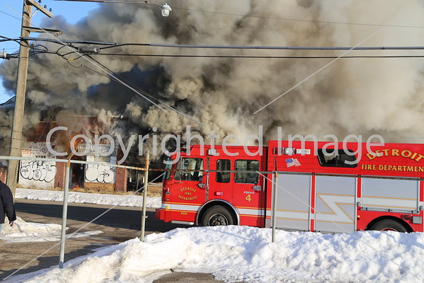 BOX ALARM MILFORD & 28TH UNIT 1 (03-09-2015)