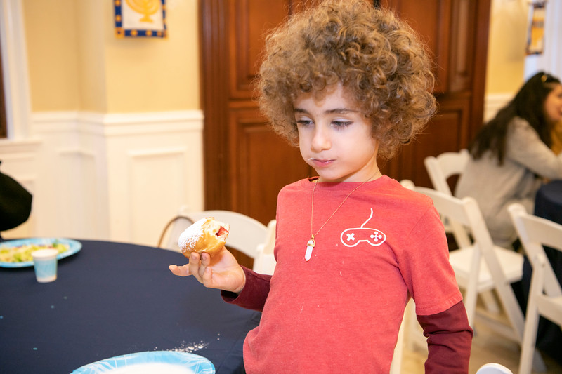 Brentwood Chabad -Chanukah133.jpg