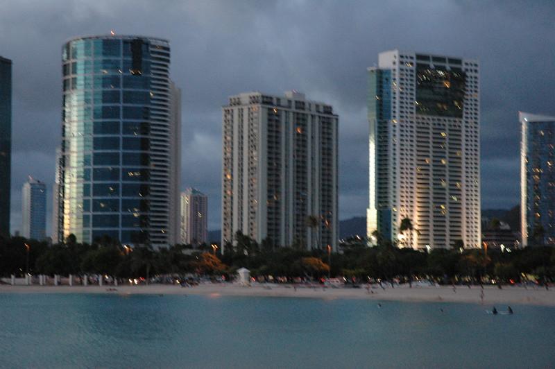Hawaii - Ala Moana Beach Sunset-192.JPG