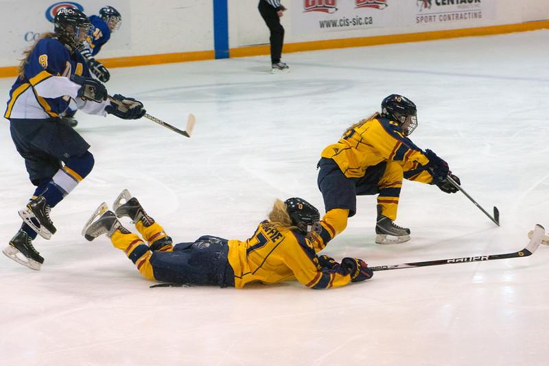 20130310 QWHockeyvsUBC 247.jpg