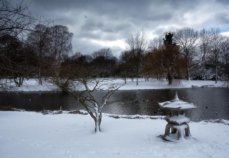 An der Außenalster im Winter mit Schnee