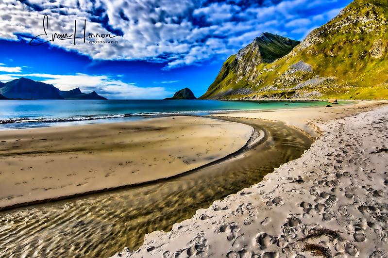 Uttakleiv beach lg.jpg