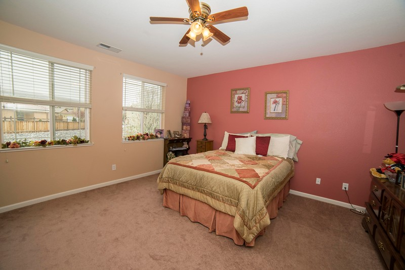masterbedroom b.jpg