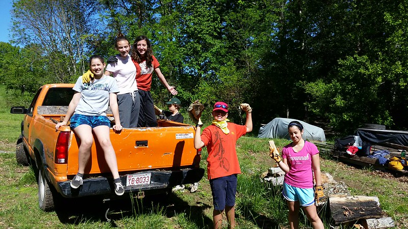 Middle School Spring Field Study to Hickory Nut Gap Farm