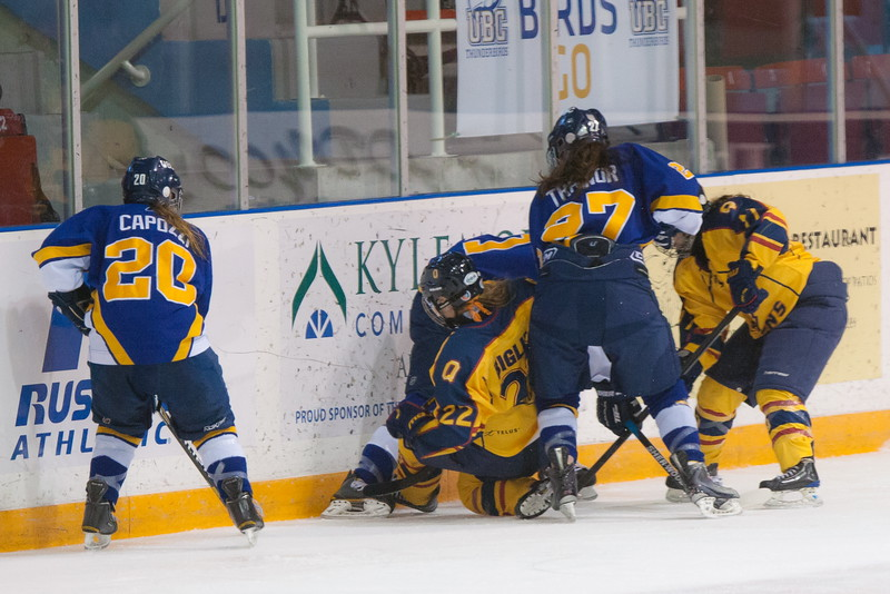 20130310 QWHockeyvsUBC 424.jpg