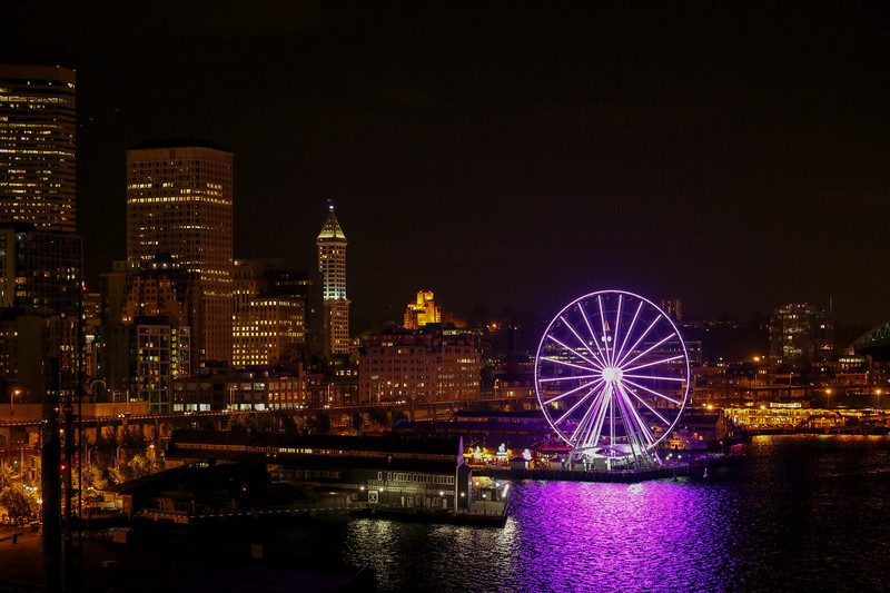 Seattle's Great Wheel and Ferry Building