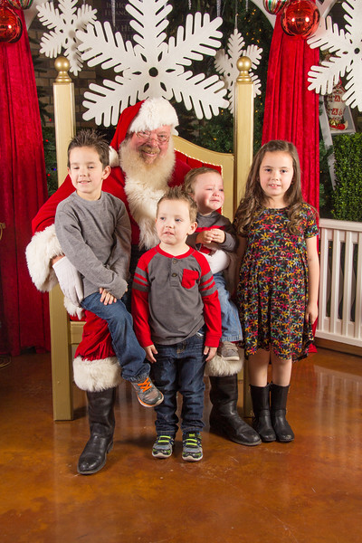 Santa 12-16-17-268.jpg
