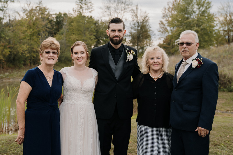 rustic_ohio__fall_barn_wedding-263.jpg