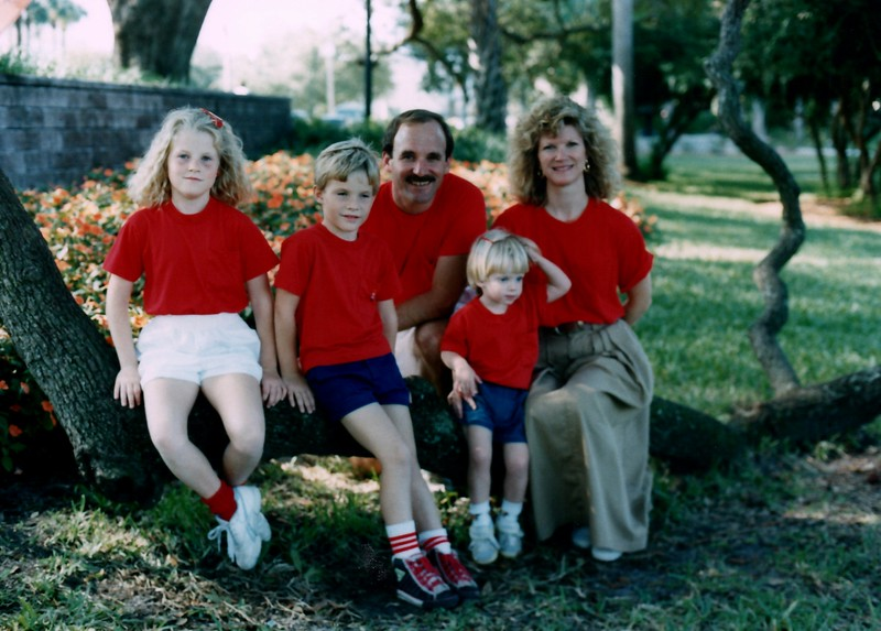 1989_December_Christmas_picture_sessions_in_orlando_0006_a.jpg