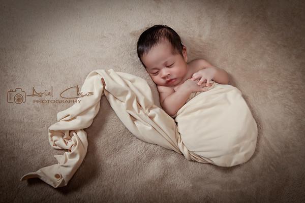 Rustin Chase Balboa | Newborn Studio Glam Shoot