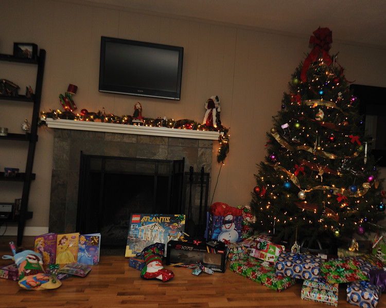 ChristmasMorning_070_0.jpg