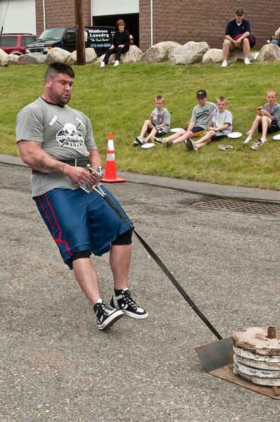Fitness Revolution Strongman Challenge 2011_ERF4171.jpg