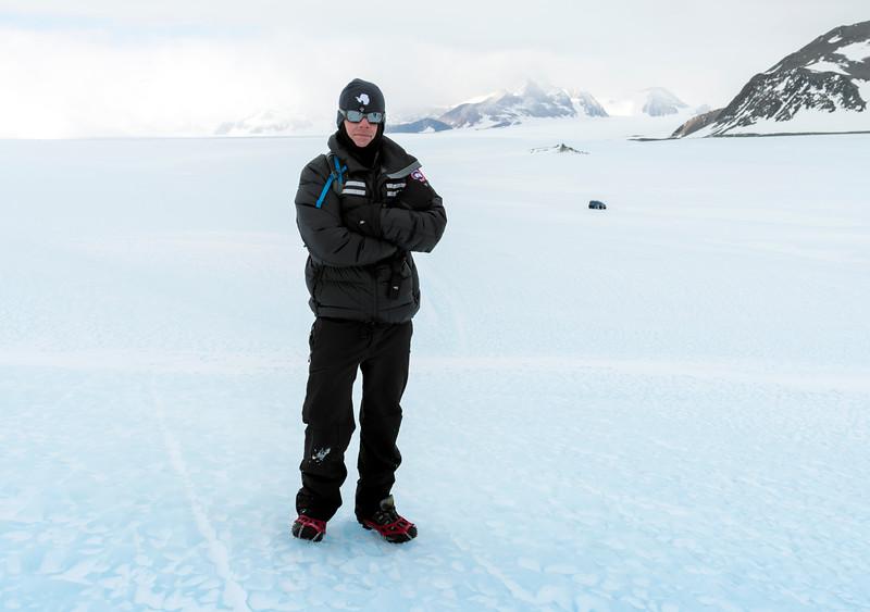 Drake Icefall -1-8-18085485.jpg