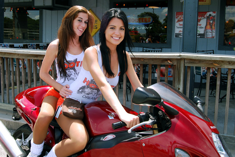 023 Staff at the Hooters of Casselberry Florida.jpg