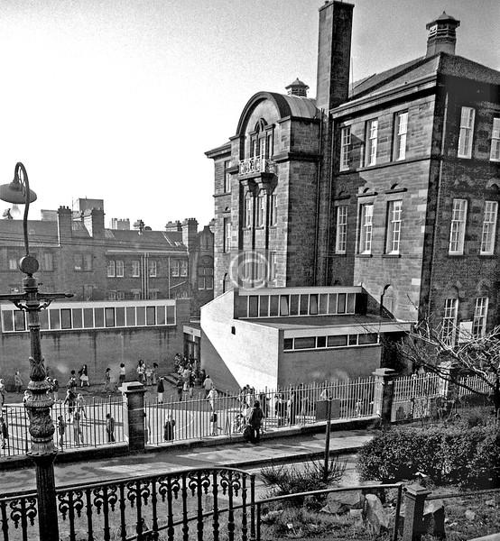 Renfrew St.  Garnetbank Primary Sch   February 1976