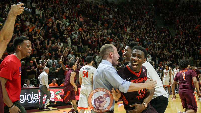 Justin Bibbs celebrates after the final buzzer. (Mark Umansky/TheKeyPlay.com)
