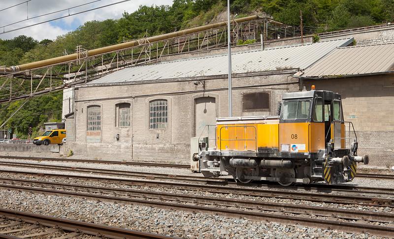 Dumont-Wautier locotracteur 08 in Hermalle s/Huy.