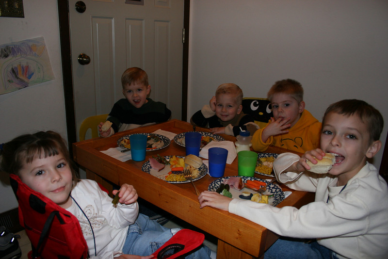2005 Nov Thanksgiving Songers in WDM