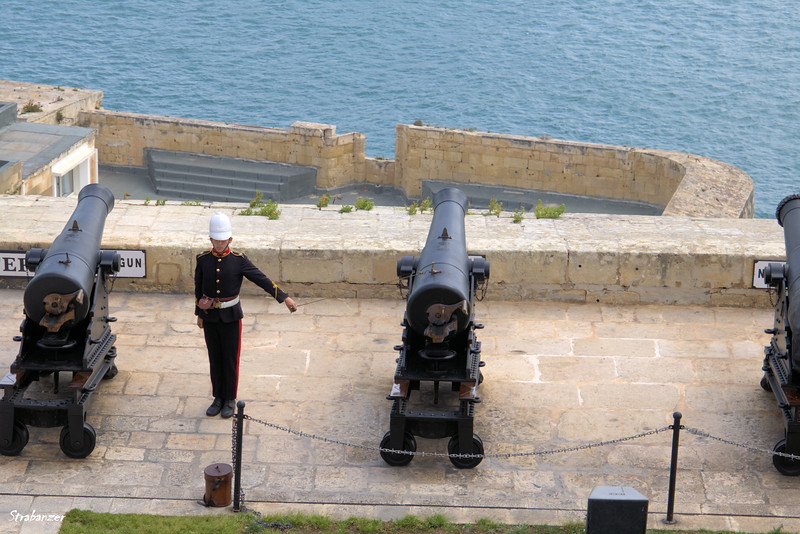 Ready to fire the midday gun.   Valletta, Malta.    03/23/2019
