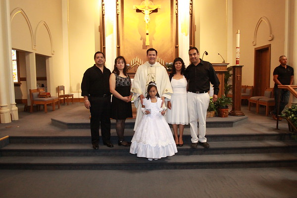 2012 ST  MARYS CHURCH - DEKALB -  FIRST COMMUNION - THE FAMILYS