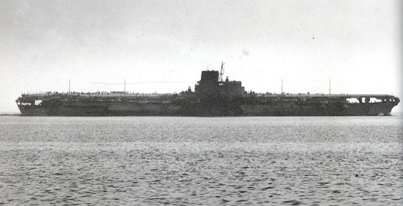 MILITARY-WWII-Japanese_aircraft_carrier_Shinano.jpg