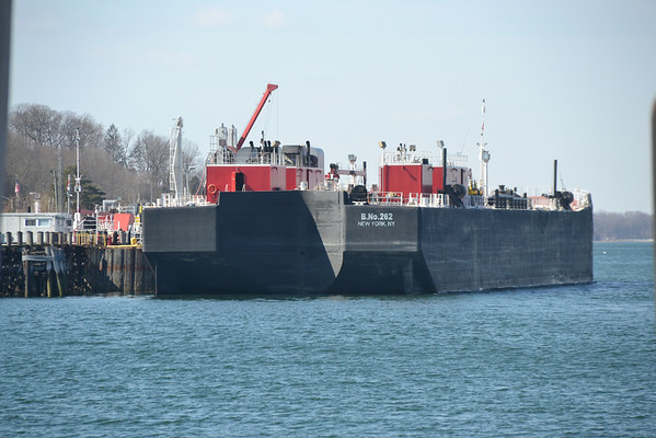 Bouchard B no 262 off loading
