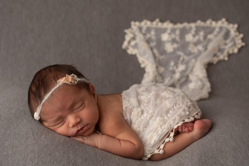 Baby Victoria-39.jpg
