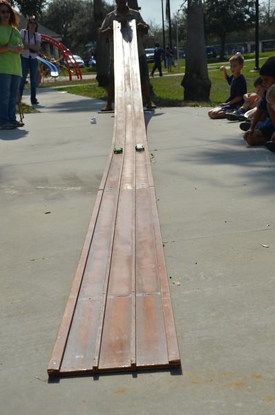 2012 01 28 pinewood derby 081.JPG