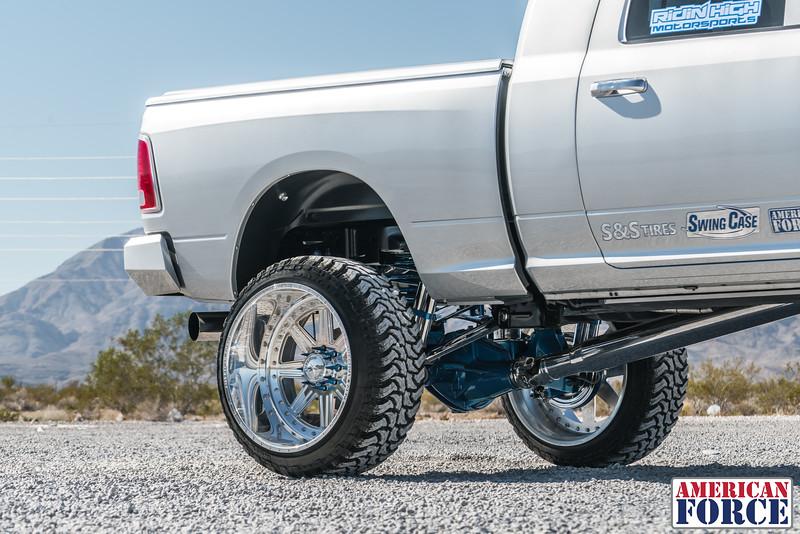 Ridin'-High-Silver-Dodge-Ram-161105-DSC02762-19.jpg