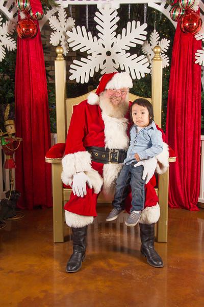 Santa 12-16-17-75.jpg