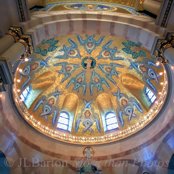Dome over the altar  in the Elisabeth Chapel of the Franz von Asissi church in Vienna's 2nd district