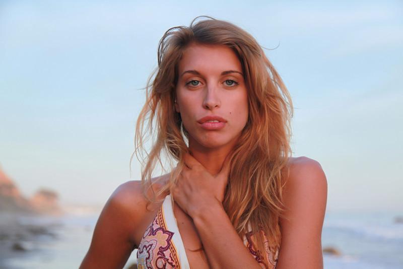 bikini 45surf bikini swimsuit model hot pretty beach surf socal 1166,.m,.,.,..jpg