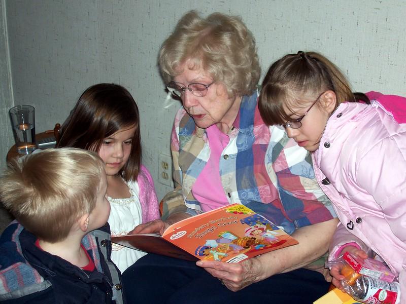Brandon, Sarah, Gr.GRandma Bonnie & Michelle 2304x1728.jpg