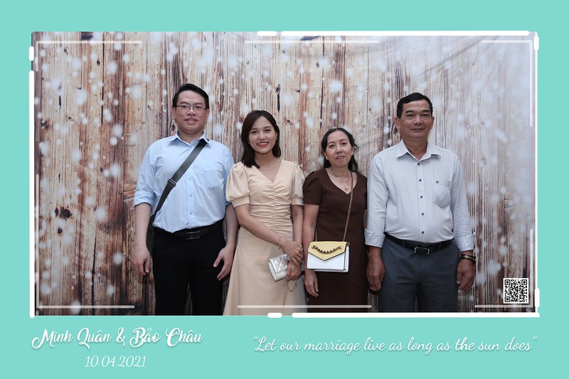 QC-wedding-instant-print-photobooth-Chup-hinh-lay-lien-in-anh-lay-ngay-Tiec-cuoi-WefieBox-Photobooth-Vietnam-cho-thue-photo-booth-073.jpg