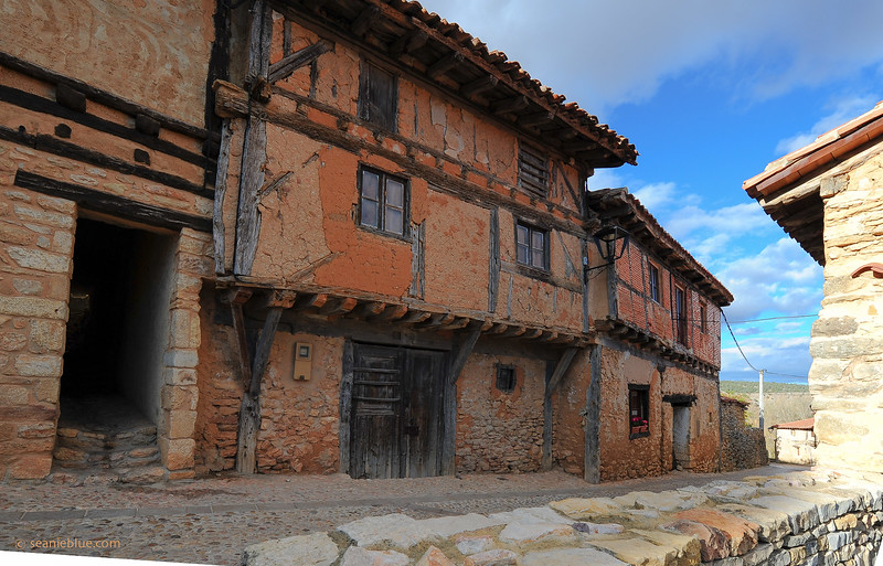KCMB catalanazor village 2000-70-1217.jpg