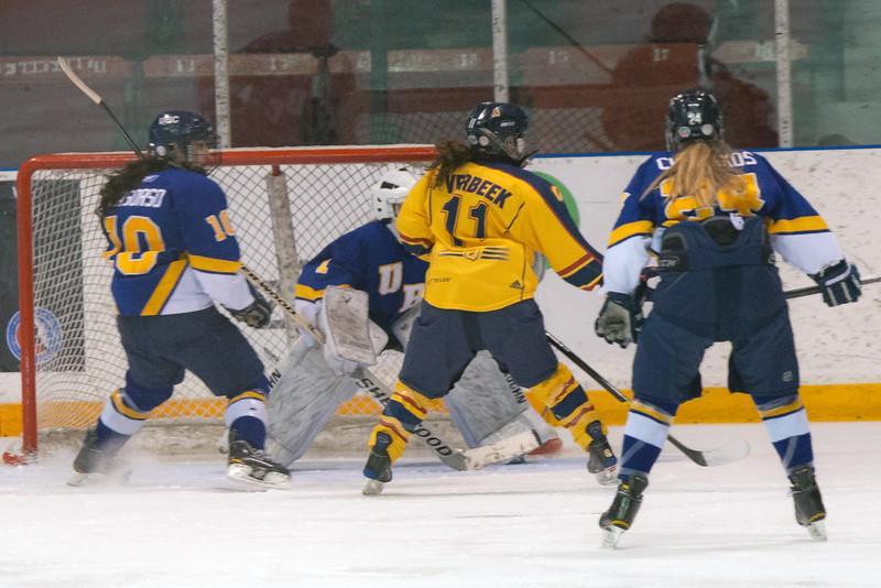 20130310 QWHockeyvsUBC 177.jpg