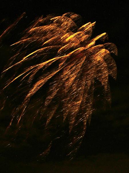2005_1028tootingfireworks010_edited-2.JPG