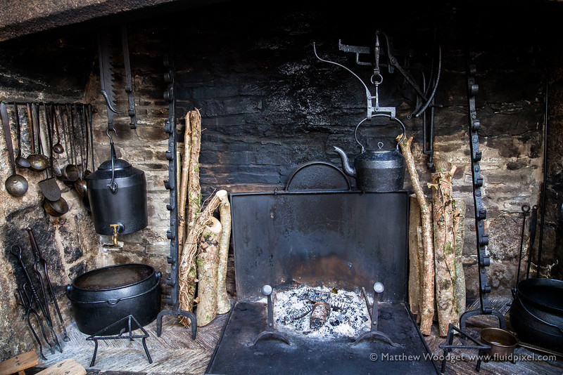 Woodget-140612-009--burnt, fire - 03004000, iron and steel - 04012003, kettle, kitchen, old fashioned, pots.jpg