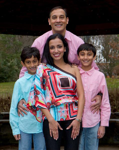 2016 12 Pabla Family Photo Session (10).JPG