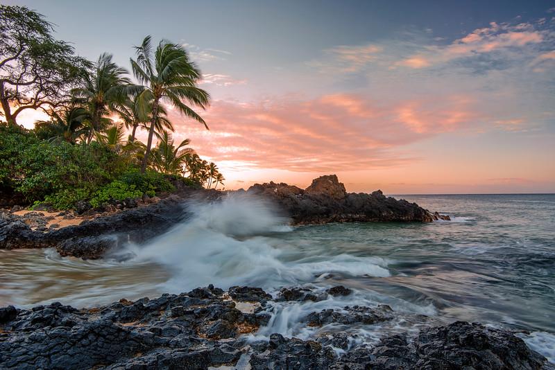 Ocean waves, Maui secret beach, Hawaii