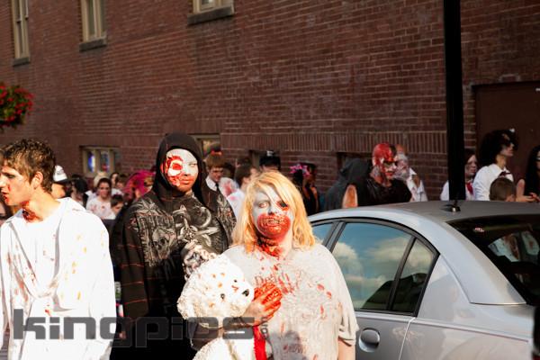 ZombieWalk2012131012051.jpg