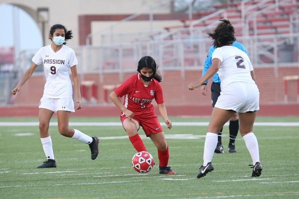 January 09, 2021 - Soccer Girls- Mission @ La Joya _ MM