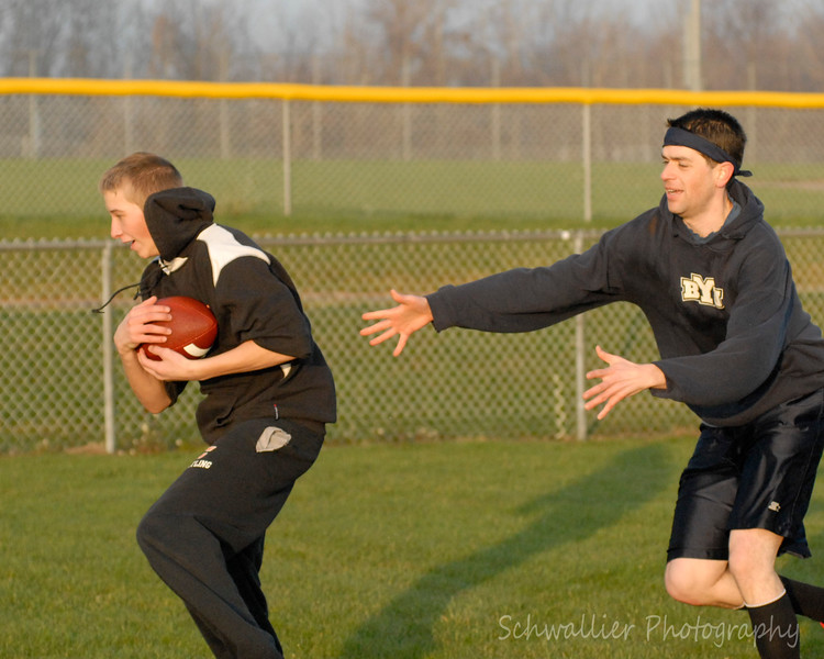 2012 Turkey Bowl-10.jpg