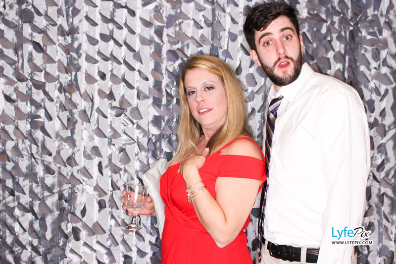 red-hawk-2017-holiday-party-beltsville-maryland-sheraton-photo-booth-0126.jpg