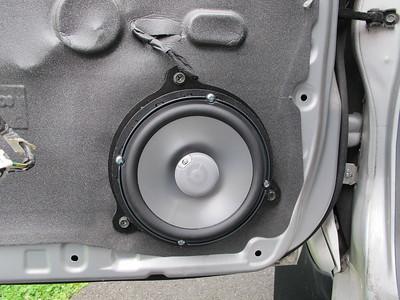 2007 Nissan Frontier Front Door Speaker Installation - USA