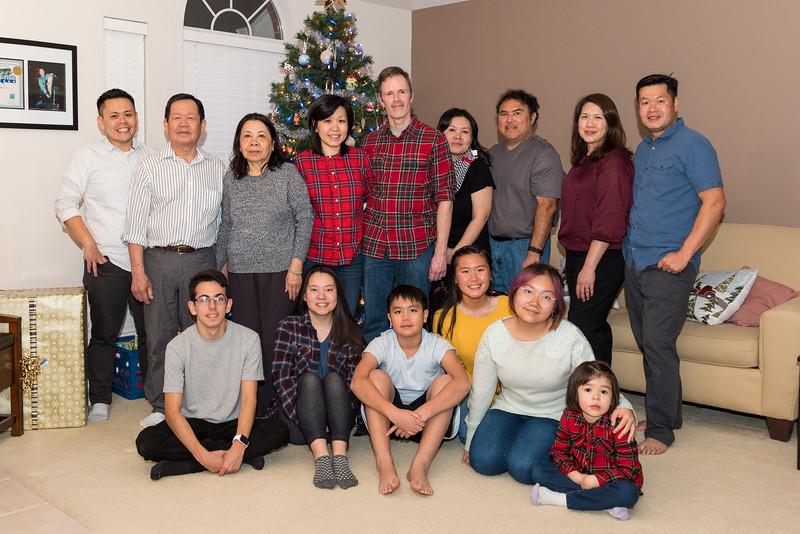 20181224_christmas-vo-family_023.JPG