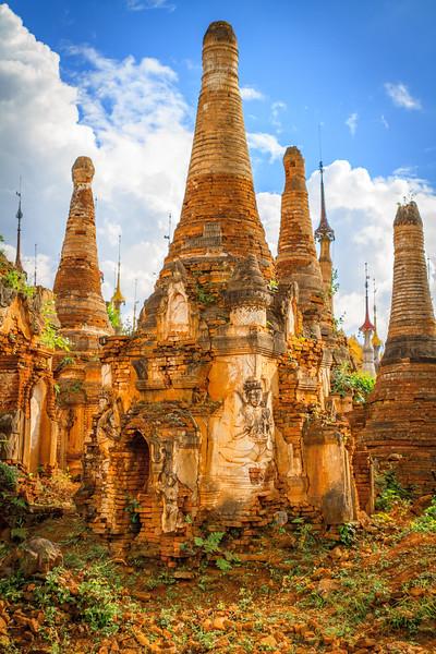 Shwe Inn Tain Pagoda Complex